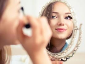 bigstock-Beauty-model-teenage-girl-look-96415106-1024x777
